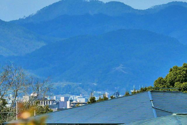 地蔵山墓地から五山送り火の写真