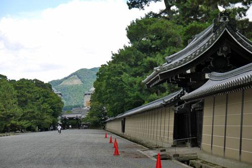 京都御苑で大文字送り火