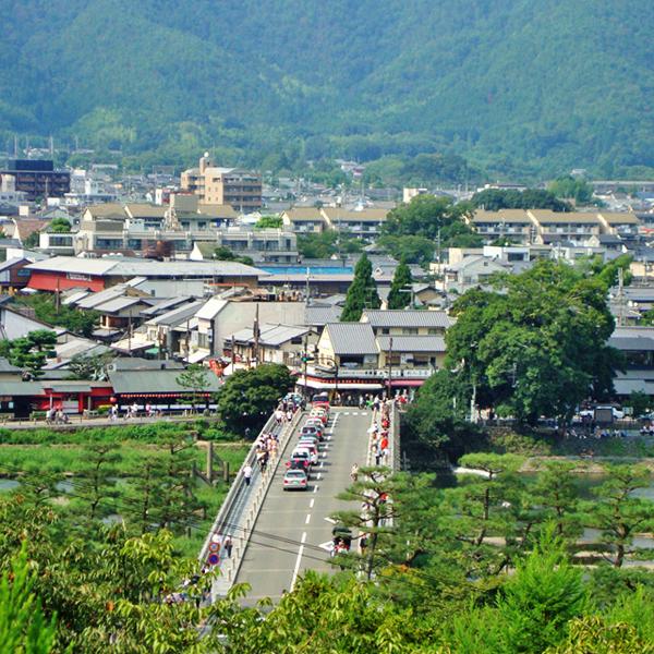 法輪寺の展望デッキから見る渡月橋