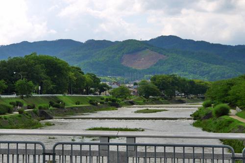 上賀茂橋から見る船形