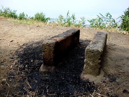 大文字の火床